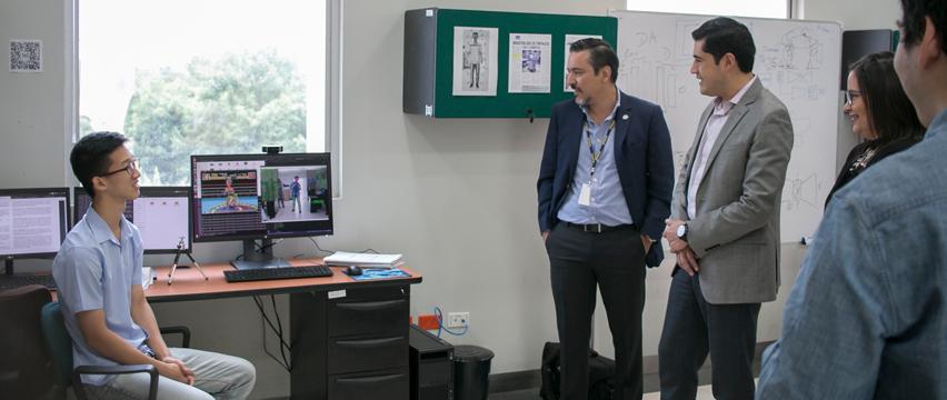 Richard Martínez, Ministro de Economía y Finanzas, visitó ESPOL