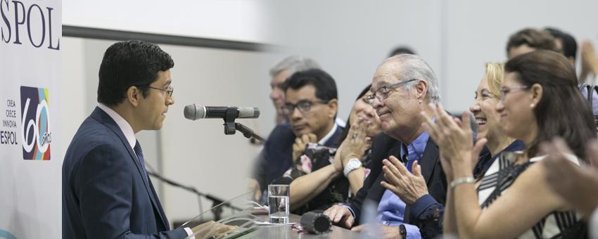 ESPOL rinde homenaje a la trayectoria de Ramón Espinel Martínez en la institución