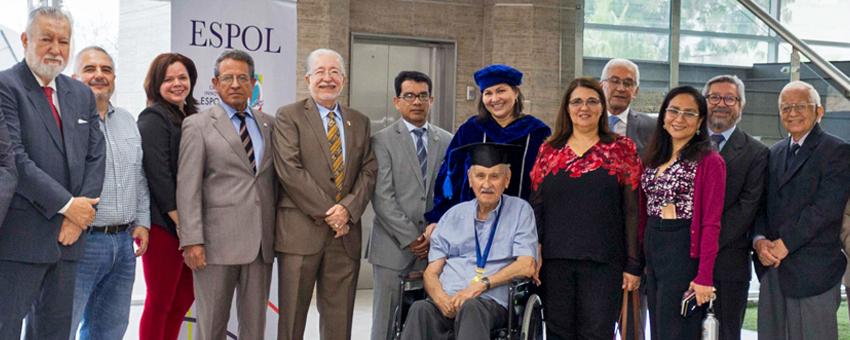 ESPOL otorgó título DOCTOR HONORIS CAUSA a exvicepresidente de Ecuador, Luis Otón Parodi Valverde
