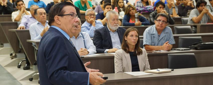 Consultor internacional expuso sobre los desafíos del sector petrolero en el país