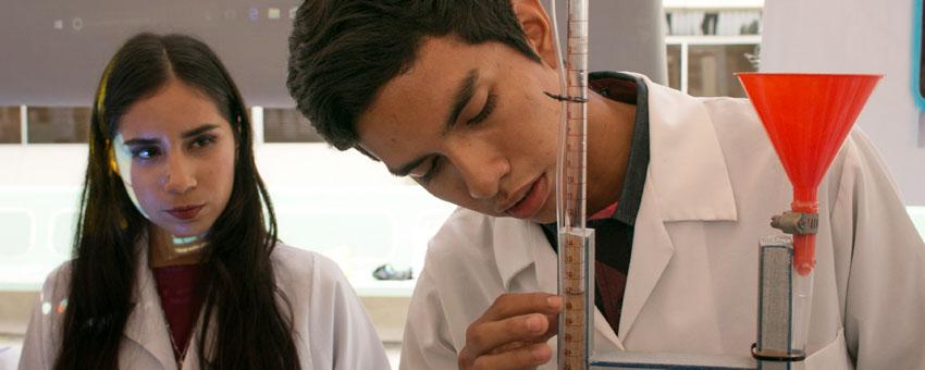 40 proyectos de Física, Química y Matemáticas se presentaron en laII Feria de Ciencias de la ESPOL