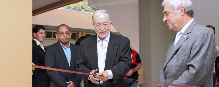 Autoridades de la ESPOL inauguran área de laboratorios en la FIEC