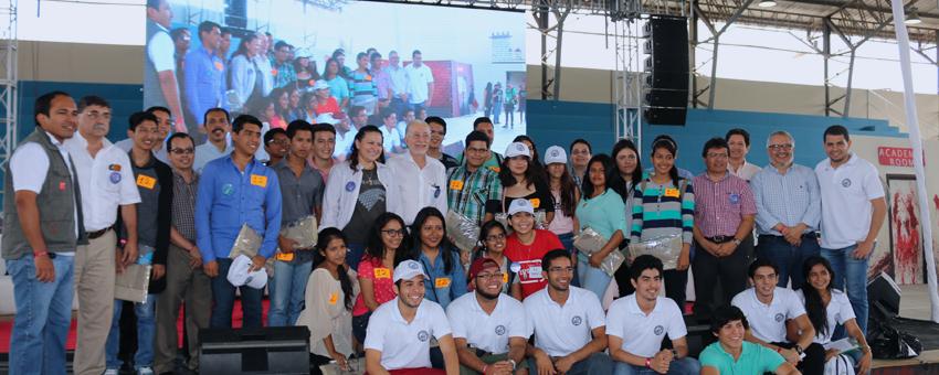 ESPOL recibió a los nuevos estudiantes al estilo de series de televisión