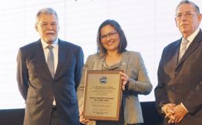 Cámara de Construcción de Guayaquil otorga reconocimiento especial a ESPOL